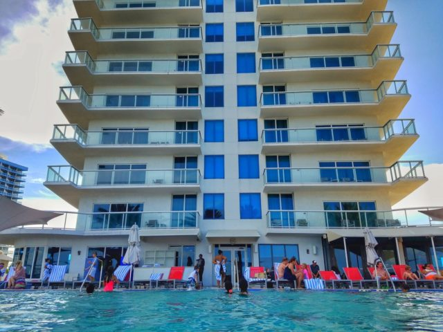 Facing the hotel tower - Hilton Ft. Lauderdale Beach Resort