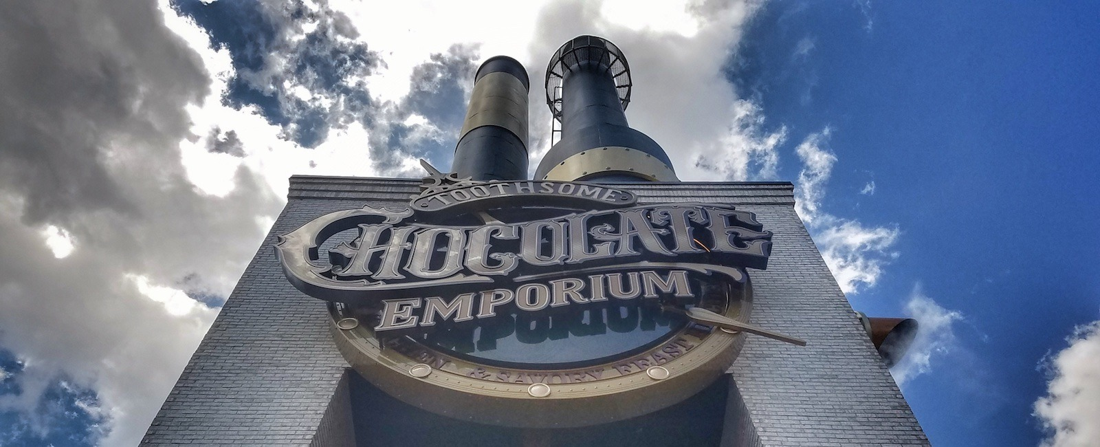 Relatively new to the Orlando restaurant scene is Toothsome at Citywalk. Here's our first impression Toothsome Universal Citywalk review.