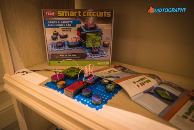 Mom 2 Summit - Smart Circuits