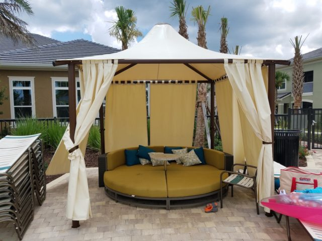 Colonial Grand Randal Lakes - The Pointe Covered Cabana