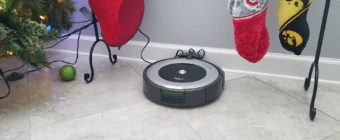 iRobot Roomba 690 Review - Docking Station Christmas