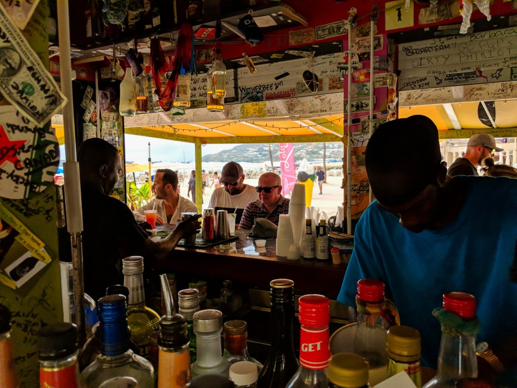 St Maarten Tips - Bar Tenders and Patrons