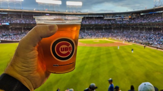 Chicago 2019 - Chicago Cubs vs Philadelphia Phillies - Cheers Cubs Beer