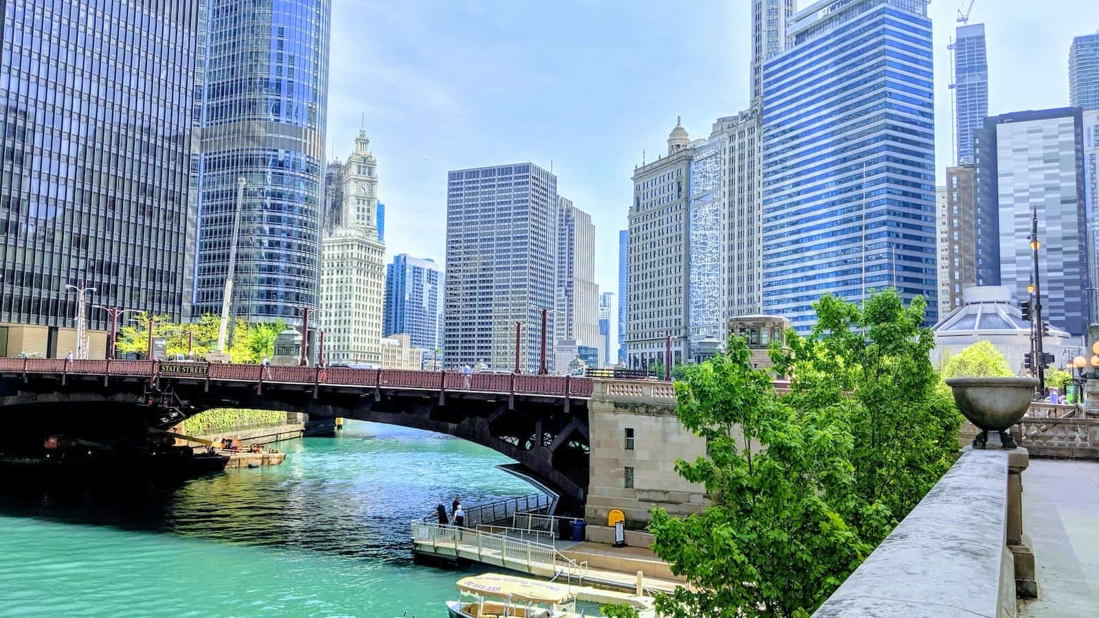 Chicago 2019 - Chicago Riverwalk Looking West